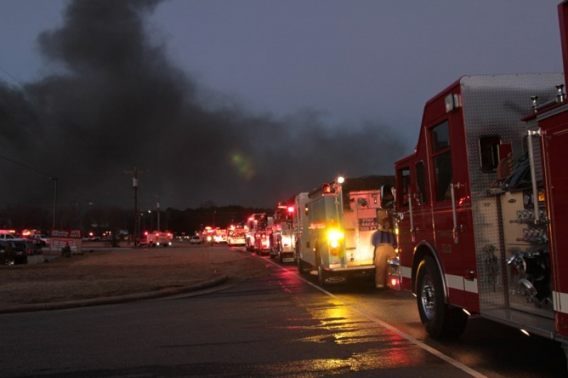 RUBBER PLANT BURNS IN DENVER (LINCOLN CO)